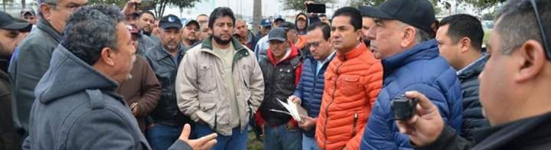 Amenazan inconformes con quemar nuevas unidades de transporte público en Acuña.