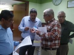 Con orden judicial maestros exigen medicamentos