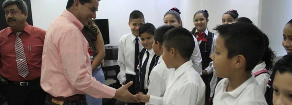 RECONOCEN A CORO DE ALUMNOS DE LA PRIMARIA INDEPENDENCIA, GANADORES DE CONCURSO INTERSECTORES.