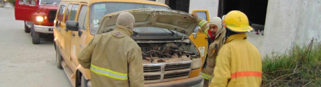 Se incendia transporte escolar, se dirigía a guardería.
