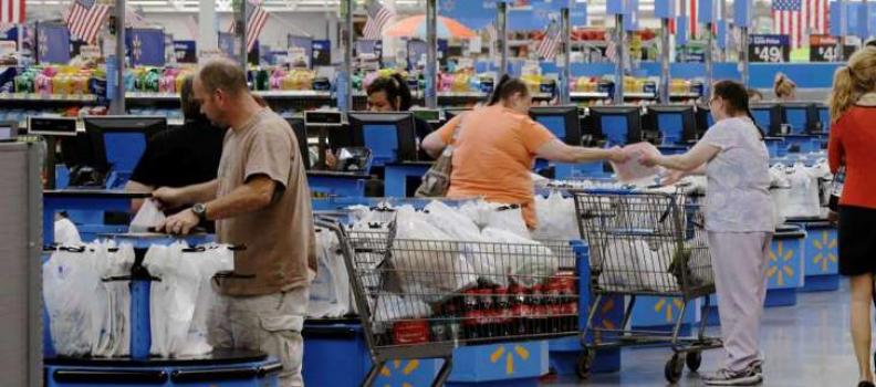 Menos mexicanos compran en EU, y tiendas en su frontera sur lo resienten: caen ventas hasta 20%