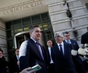 """""""Una victoria para la prensa independiente"""": juez ordena a la Casa Blanca devolver pase a periodista de CNN"""