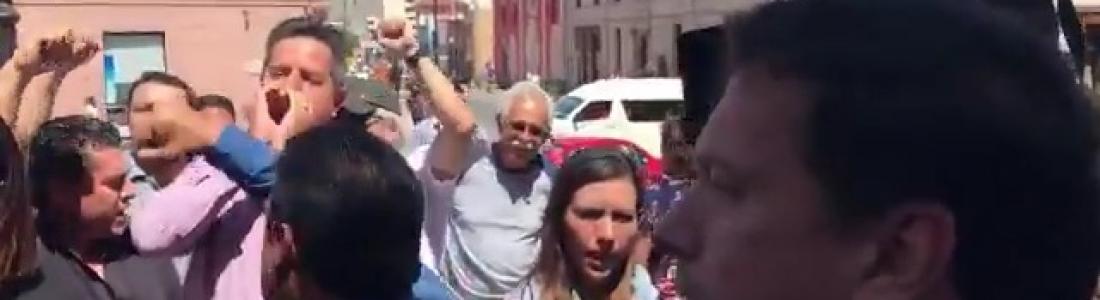 Se manifiestan en Palacio de Gobierno por muerte de profesor a manos de policías municipales