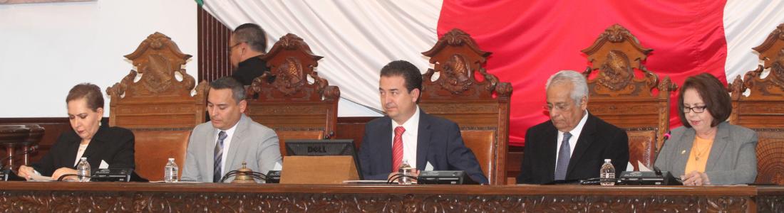 PAN y PRI disputan comisiones en Congreso