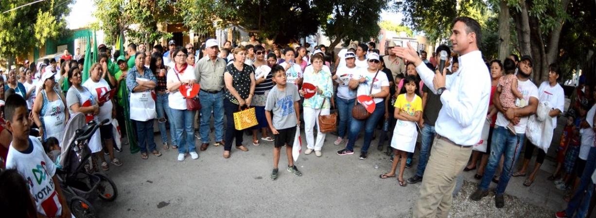CON  LA ESPERANZA DEL CAMBIO, RECIBEN CON ALEGRÍA A JORGE RAMÓN