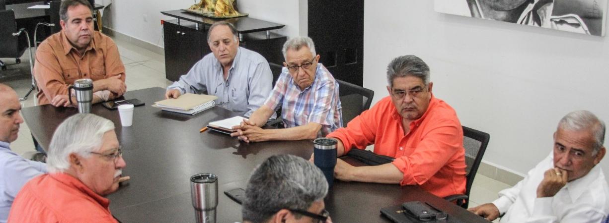 PREPARADAS LAS INSTALACIONES DE AGUA Y DRENAJE PARA LA OBRA DEL HOSPITAL REGIONAL DEL IMSS.