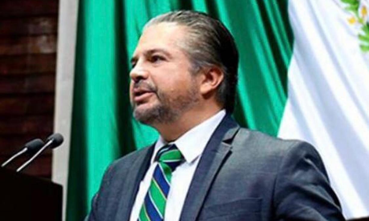Deja Lenin Pérez bancada del PAN y se asume como diputado federal independiente