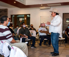 Payaso, pero no ladrón ni sinvergüenza; responde Guadiana a líder nacional del PRI