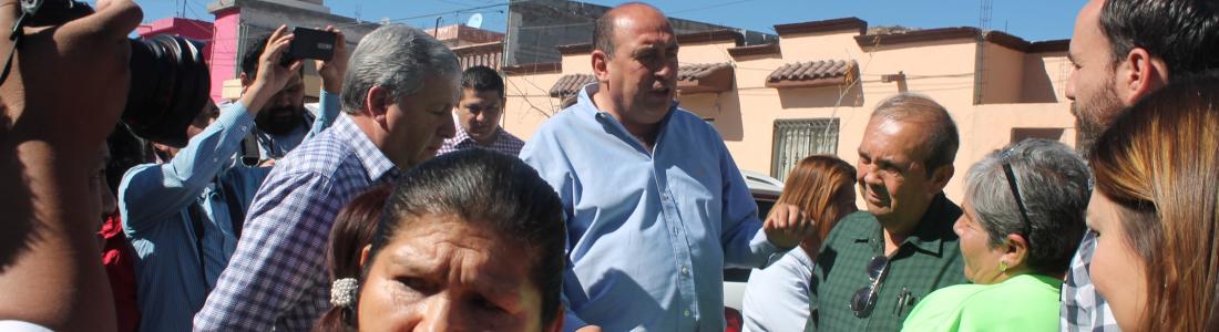 """Vecinos le dicen """"no"""" a Rubén Moreira e impiden repavimentación"""