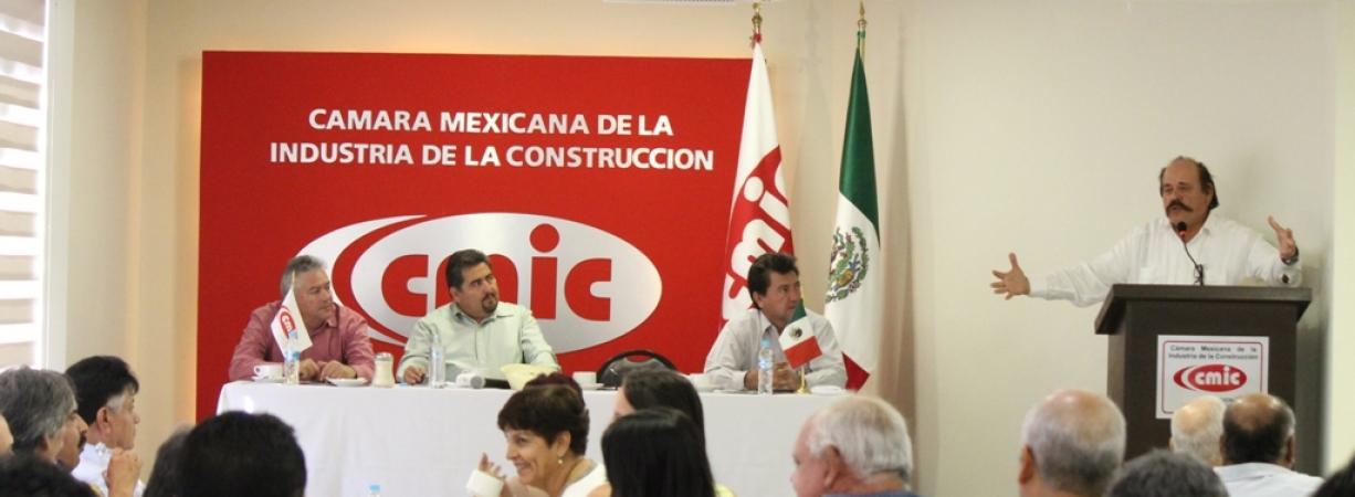 Fortaleceremos a empresarios coahuilenses: Armando Guadiana