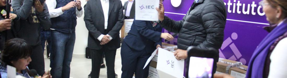 Registra su candidatura independiente Javier Guerrero, el sábado 25