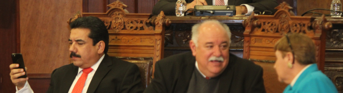Gasolinazo genera acusaciones de  narcos entre PRI y PAN