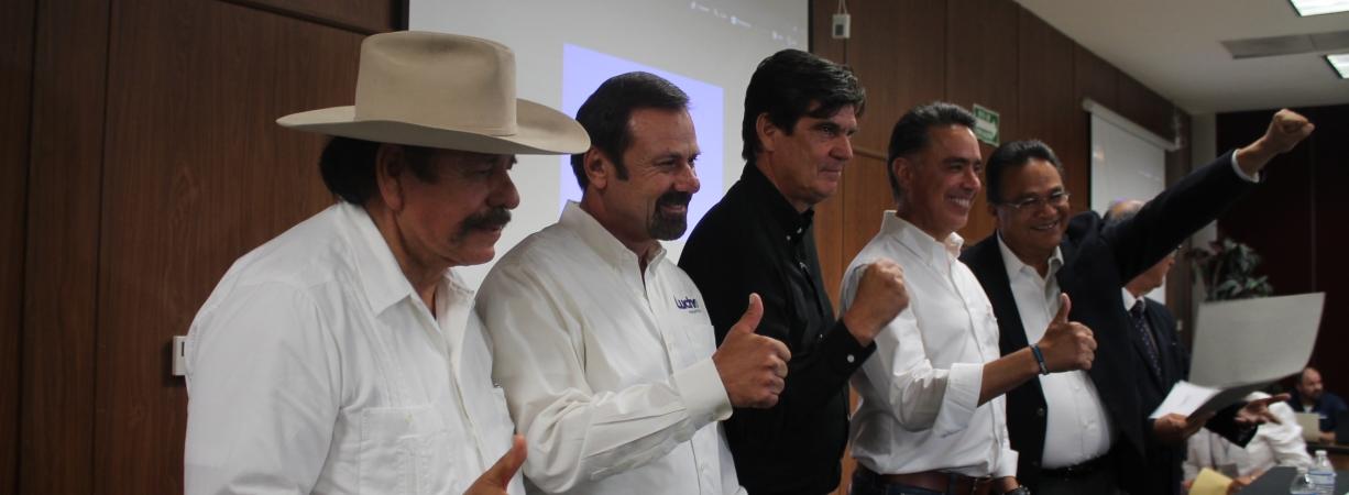 Cinco candidatos atienden invitación de Asamblea Ciudadana; PRD y PRI la rechazan