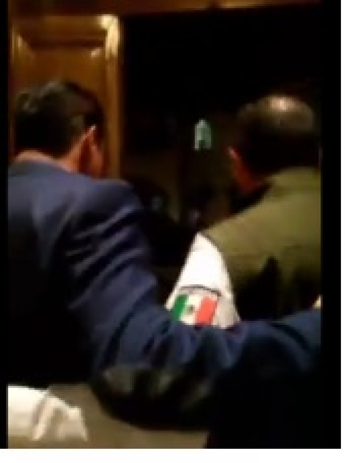 Secretario de Seguridad y su guarura agreden a reporteros
