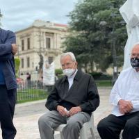 Obispos eméritos de Saltillo exigen a Riquelme atender a maestros