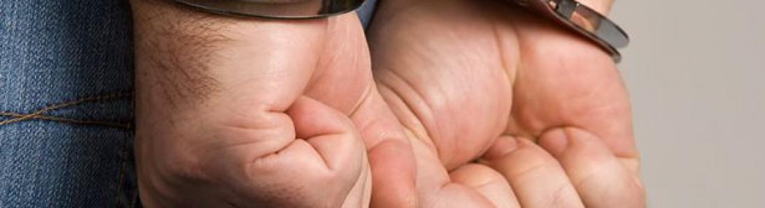 Por delito de pornografía infantil detienen a agente de aduana en Eagle Pass, Texas