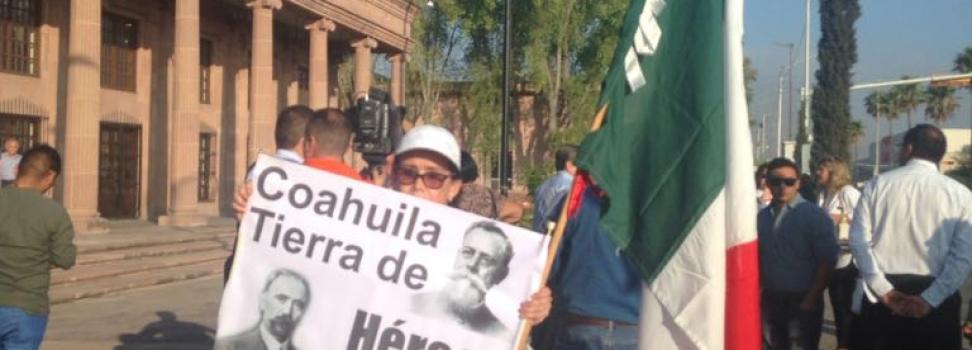 """Con liderezas defienden propuesta """"a modo"""" de Rubén Moreira"""