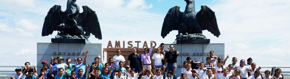 49 alumnos de primaria conocen por primera vez lugares emblemáticos de la ciudad.