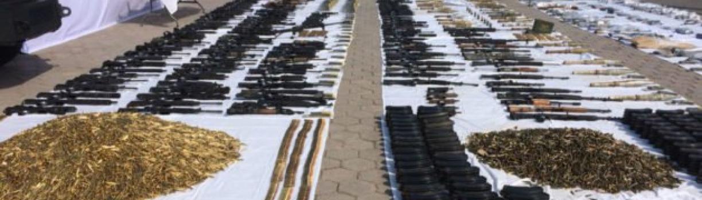 Ejército decomisa arsenal en Nuevo Laredo; tenía un AK-47 de oro, granadas y lanzacohetes