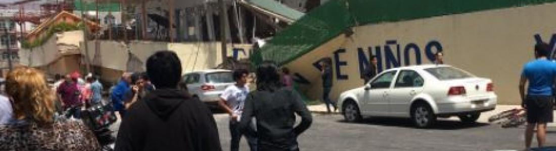 Reportan niños atrapados en escuela colapsada en Ciudad de México