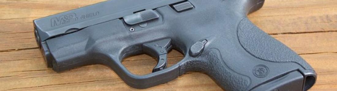 Confunde pistola con juguete y mata a su hermano