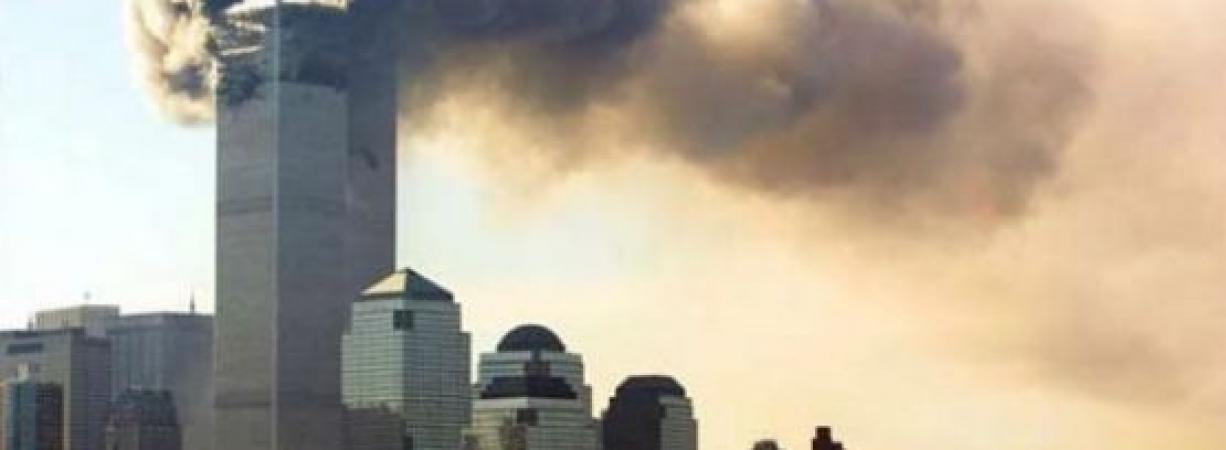 Se conmemoran 16 años del atentado a las Torres Gemelas en EE.UU.
