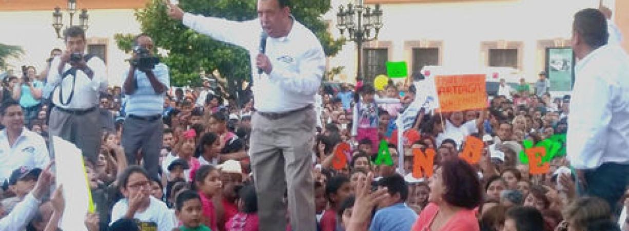 Molesto Humberto Moreira cierra campaña… como candidato plurinominal