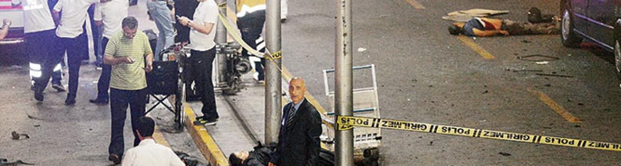 Se inmolan en el aeropuerto de Turquía