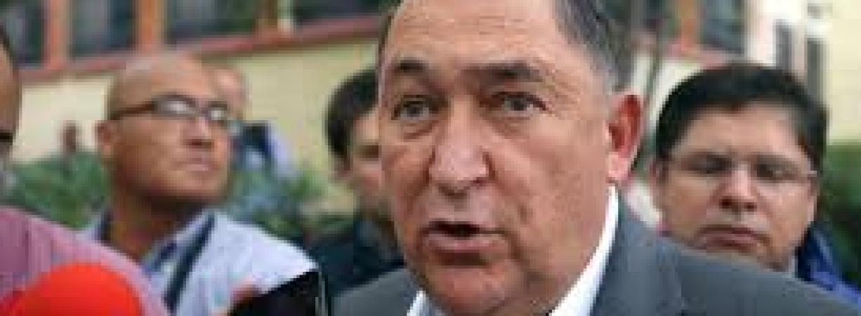 Pedirá licencia Isidro López para recuperar Saltillo