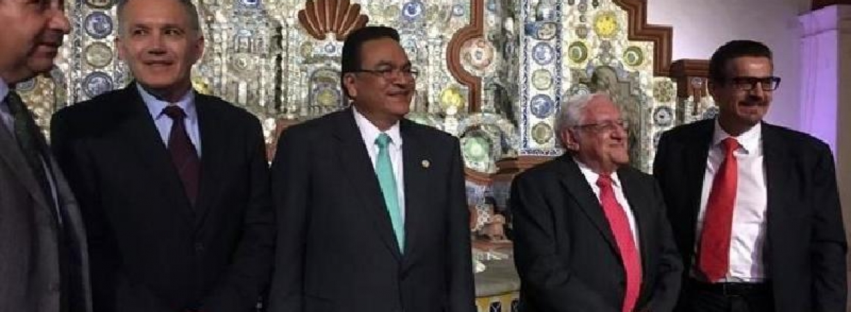 Se destapa Javier Guerrero como aspirante al gobierno de Coahuila.